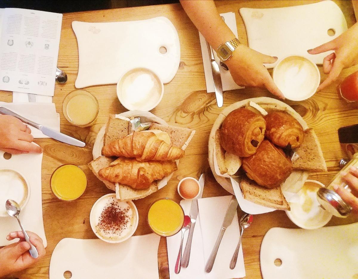 A table le petit déjeuner est servi … (Des idées pour le petit déjeuner)